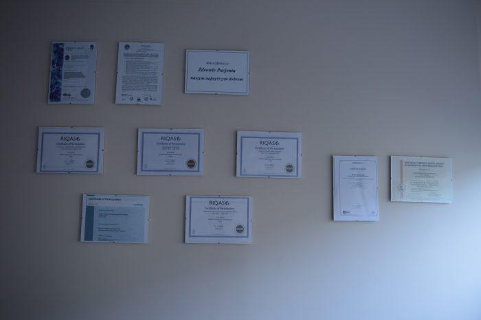 Laboratorium - certyfikaty kontroli jakości badań laboratoryjnych